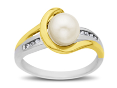 Freshwater Pearl Ring in 14K Two-Tone Gold with Diamonds