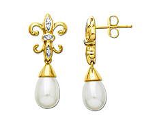 Freshwater Pearl Earrings in 14K Gold with Diamonds