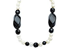 7.5mm Pearl and 8x10mm & 32x15mm Faceted Onyx Necklace
