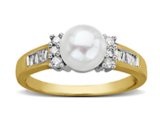 Freshwater Pearl and 1/4 ct Diamond Ring in 14K Gold