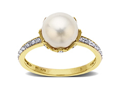 Freshwater Pearl and Diamond Ring in 14K Gold
