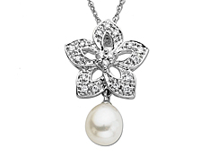 Pearl & 1/8 ct Diamond Flower Pendant in 14K White Gold