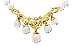 Pearl Necklace with Diamonds in 14K Gold