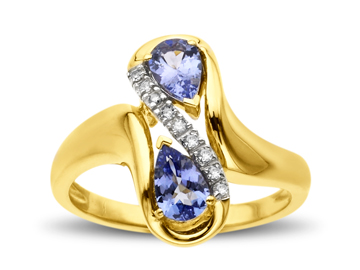 Tanzanite Ring in 14K Gold with Diamonds